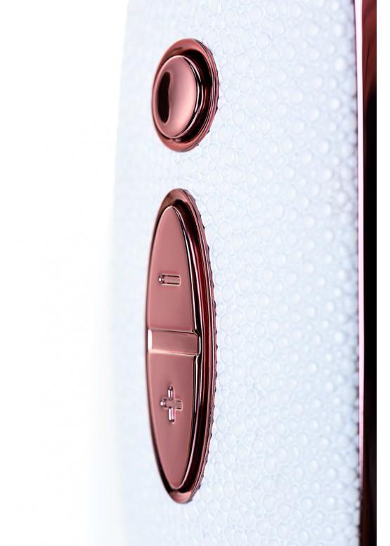 Вибратор с вакуум-волновым бесконтактным стимулятором Satisfyer Luxury Pret-a-Porter White